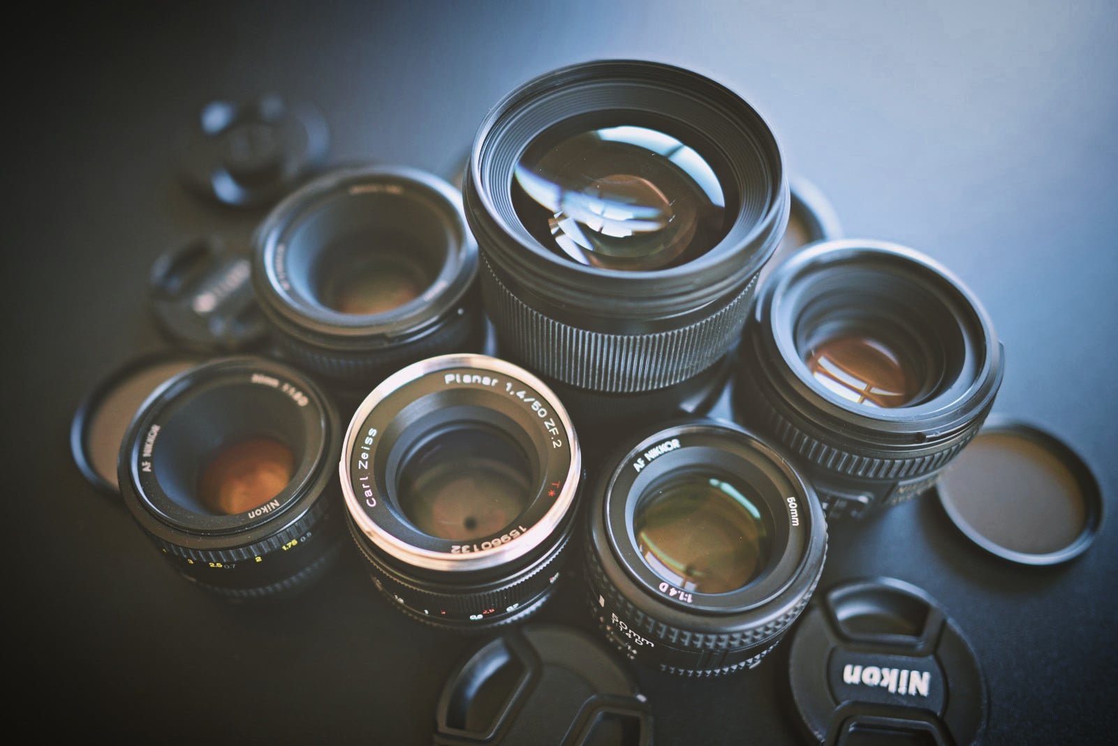 Six 50MM F1 4 and F1 8 lens for Nikon compared - Lens Battle by Polarr
